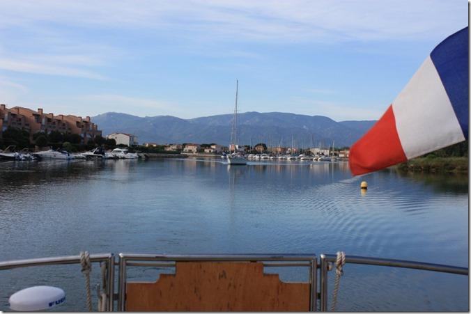 1 Sortie de la lagune avec le voilier de Jean-Paul
